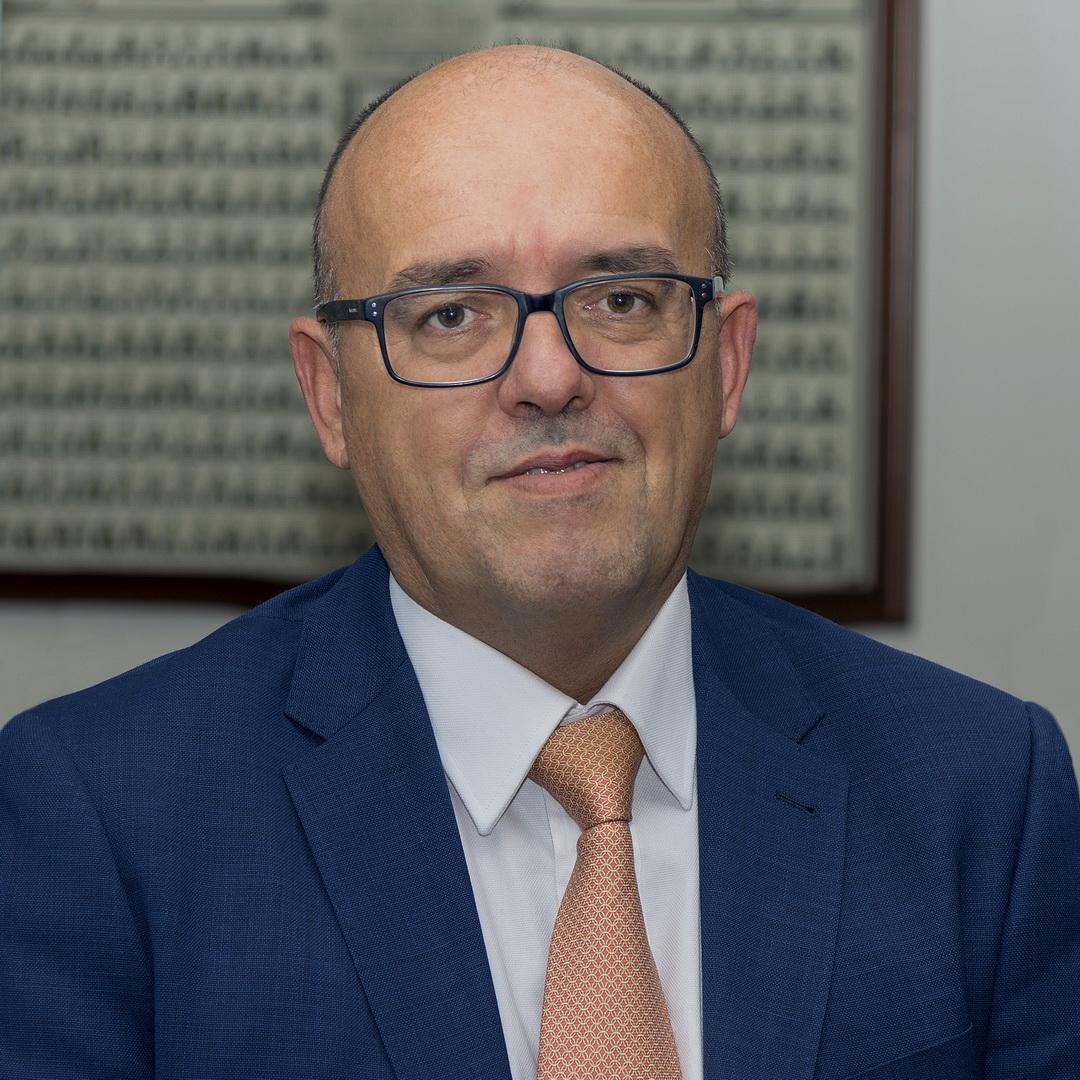 Carlos Montesinos. Abogado especialista en el impuestos sobre sucesiones y donaciones. Planificación, asesoramiento, soluciones financieras